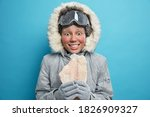 Female Polar Explorer Goes Ice...