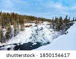 Cameron Falls Nwt Half Frozen...