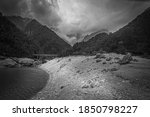 Black And White Effect Of Lake...