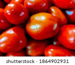 Small photo of Tomatoes can be eaten raw, made into salads, cooked beforehand or made into tomato juice