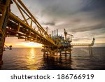 offshore oil and rig platform... | Shutterstock . vector #186766919