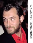 Small photo of Jude Law at premiere of ROAD TO PERDITION, NY 7/9/2002