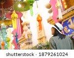 Asian Traveller Travel At Si...