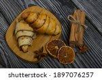 Cinnamon And Poppy Seed Buns....