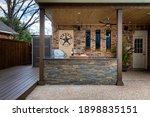 Modern Outdoor Kitchen That Has ...