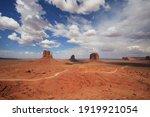 Monument Valley Navajo Tribel...