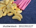 Candy Lolly Musk Fruit Sticks...