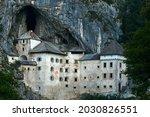 Predjama Castle Castello Di...