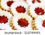 Linzer Cookies With Cherry Jam