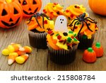 Halloween Cupcakes And Candy O...