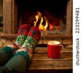 Постер, плакат: Feet in woollen socks