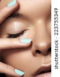 Постер, плакат: Make up & cosmetics manicure