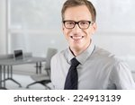 portrait of young business man... | Shutterstock . vector #224913139