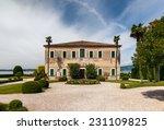 Beautiful Old Villa Of Lake...