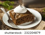 Homemade Brown Gingerbread Cak...