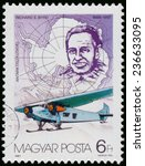 Small photo of HUNGARY - CIRCA 1987: Stamp printed by Hungary, shows Richard E Byrd (1888-1957) discovering South Pole, circa 1987