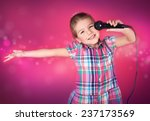 Little Girl Sings