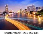 Sa Phan Taksin Station  Taksin...