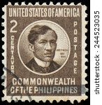 Small photo of PHILIPPINES - CIRCA 1946: stamp printed in Philippines shows Jose Rizal, National Hero, Nationalist and Reformist, circa 1946