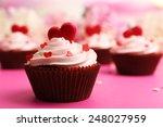 Delicious Cupcake For Valentin...