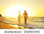 Honeymoon Romantic Couple In...
