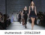 ������, ������: Models walk runway for