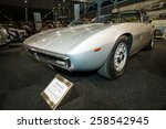 ������, ������: Sports car Maserati Ghibli