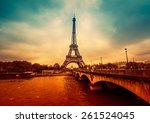 Paris  France   November 18 ...