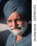 Small photo of An Sikh Indian man attending Al Gore's campaign rally, Sunnyvale, CA