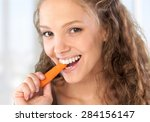 Eating  Women  Carrot.
