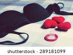 condoms stop hiv | Shutterstock . vector #289181099
