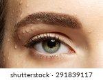 Close Up Of Natural Make Up Eye ...