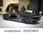 Постер, плакат: Black Lamborghini Aventador Roadster