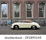 Постер, плакат: Classic Porsche 356 at
