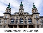Town Hall Neoclassical Buildin...