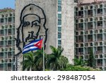 Che Guevara And Cuban Flag. La...