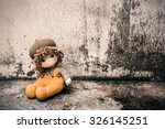 Soft Toy On The Old Grunge Wal...