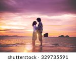 Couple Love Beach Romance...