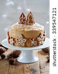 Christmas Cake With Gingerbread ...