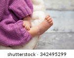 baby legs | Shutterstock . vector #342495299