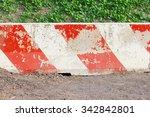 Old Road Barrier Block Pattern