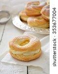 Custard Cream Ring