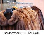 Luxury Fur Coat Very Sofly In...
