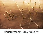Linking Entities. Network ...