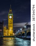 Iconic Illuminated Big Ben...