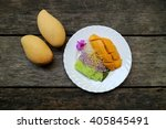 mango and sticky rice with