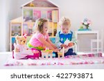 kids playing with doll house... | Shutterstock . vector #422793871
