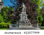 statue of wolfgang amadeus...   Shutterstock . vector #423577999