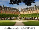 Paris  Place Des Vosges. Place...