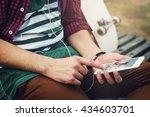 Skater Outdoors Smartphone...